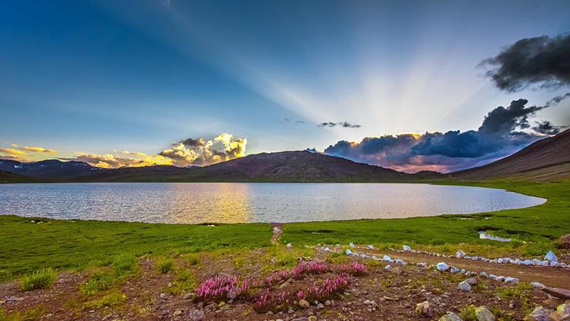 sheosar lake in skardu