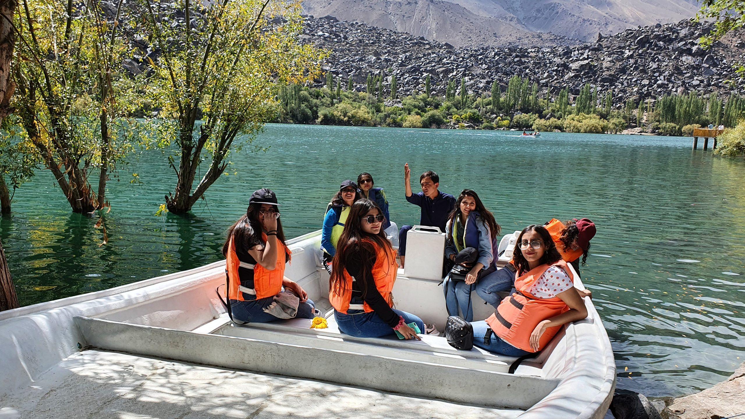 skardu girls on boat